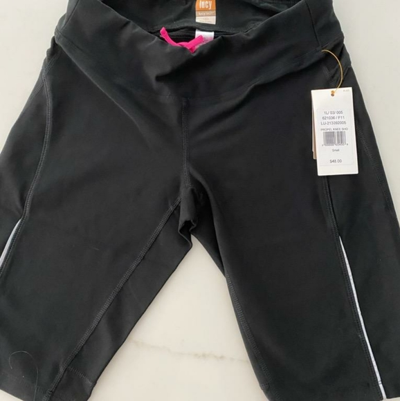 Lucy Pants - Lucy biker shorts sz S NWT